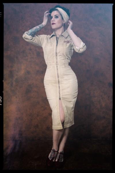 QUEEN KEROSIN Workwear Kleid mit Stickerei auf dem Rücken Motor Queen Service